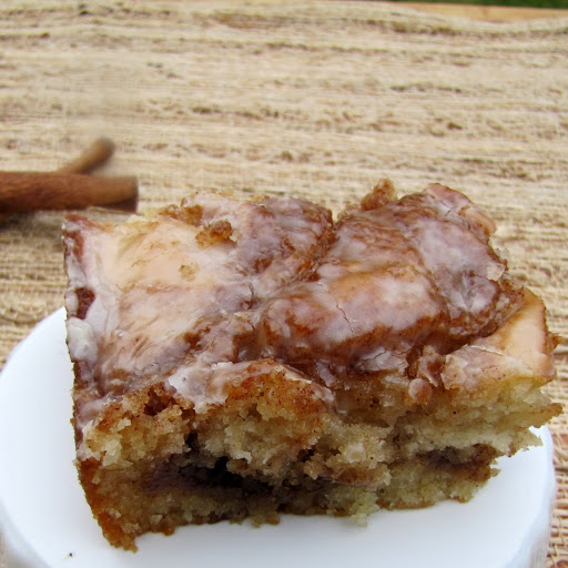 cinnamon roll cake rumbly in my tumbly