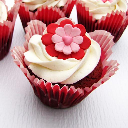 rich red velvet cupcakes