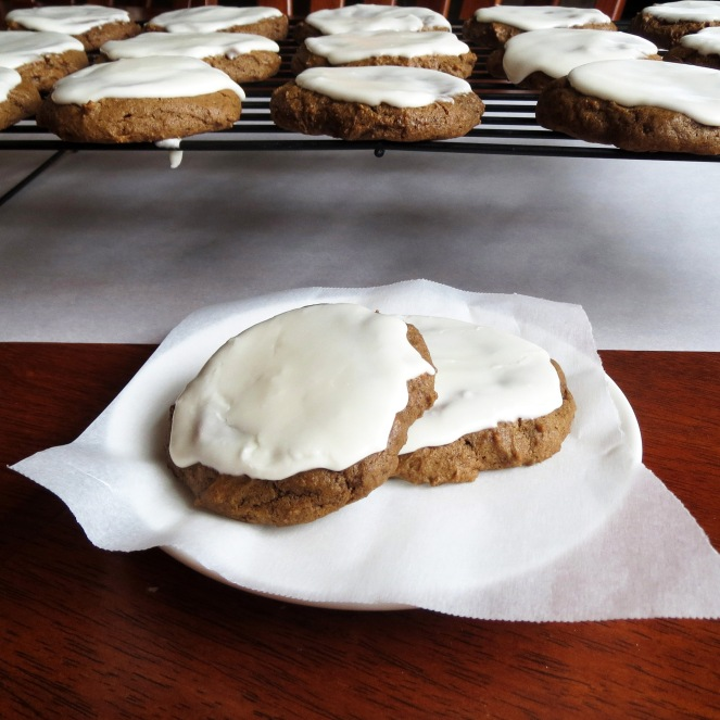 Iced Molasses Cookies I Rumbly in my Tumbly