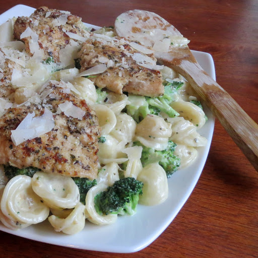 Garlic Herb Chicken Con Broccoli