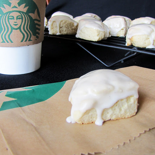 Petite Vanilla Bean Scones (like Starbucks)