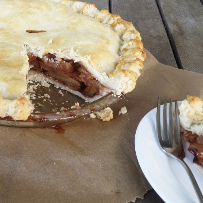 Good Ol' Fashioned Homemade Apple Pie - Rumbly in my Tumbly