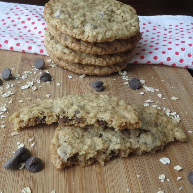 Chewy Chocolate Chip Oatmeal Cookies - Rumbly in my Tumbly