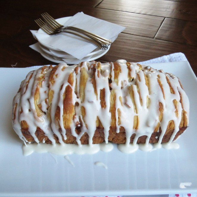 Apple Fritter Pull Apart Bread - Rumbly in my Tumbly