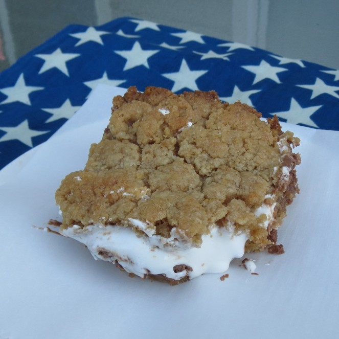Baked s'mores bars by Rumbly in my Tumbly