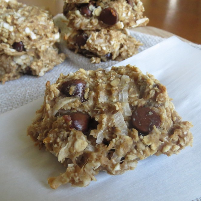 Gluten Free Peanut Butter Banana Oatmeal Chocolate Chip Cookies by Rumbly in my Tumbly