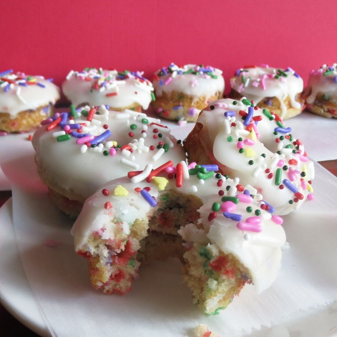 Baked Funfetti Donuts by Rumbly in my Tumbly