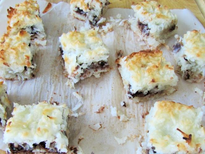 how to make coconut macaroon bars