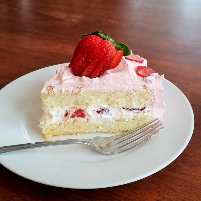 """Super Fancy"" Sponge Cake with whipped cream and strawberries"