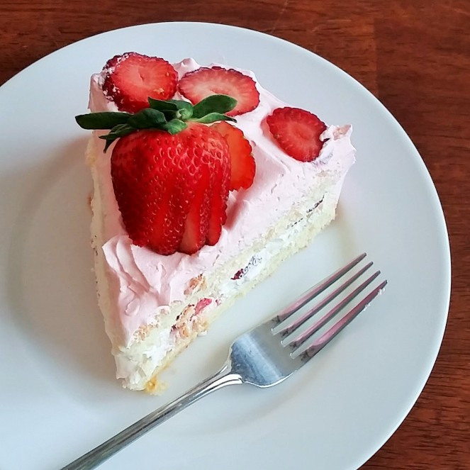 """Very Fancy"" Sponge Cake with Strawberries and Whipped Cream"