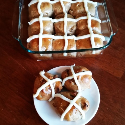 Hot Cross Buns (Tasty ones) by Rumbly in my Tumbly