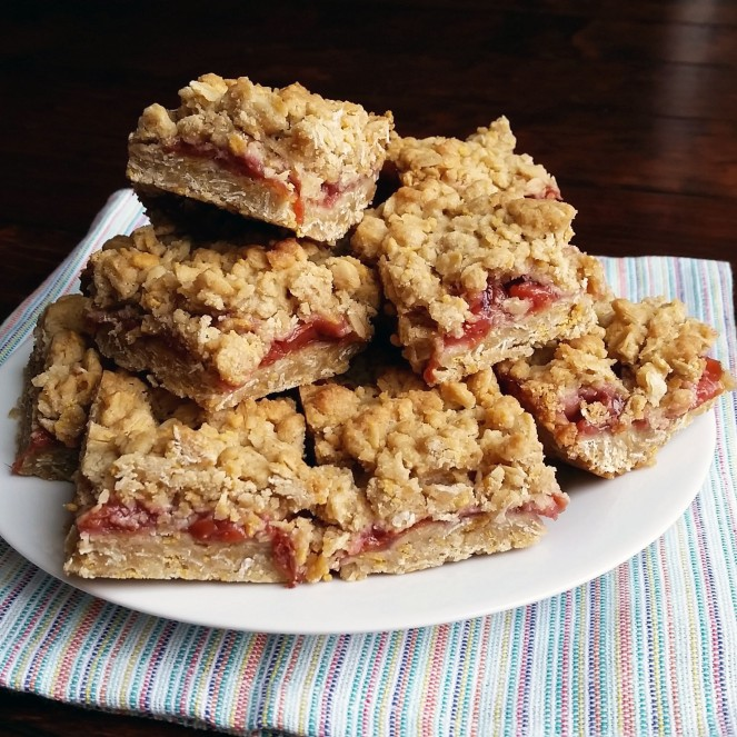 Starbucks Michigan Cherry Oat Bars by Rumbly in my Tumbly