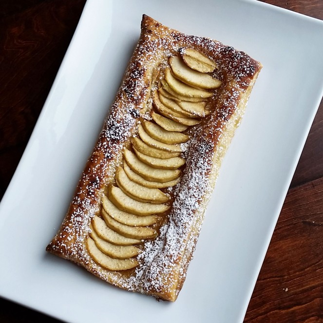 5 Ingredient, 5 MINUTE Apple Tart by Rumbly in my Tumbly