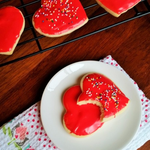 The Easiest and Most Delicious Way to Ice Sugar Cookies. - Rumbly in my Tumbly