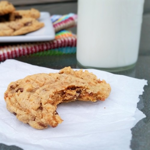 Butterfinger Chocolate Chunk Peanut Butter Cookies - Rumbly in my Tumbly