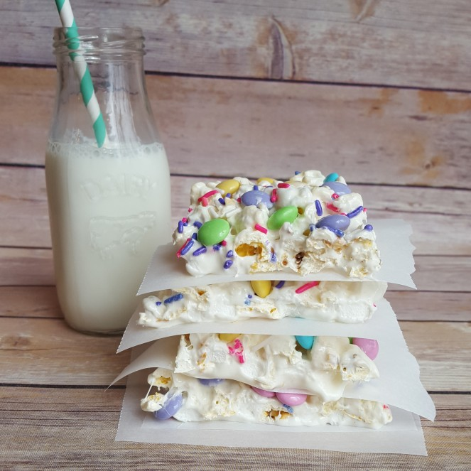 Easter Popcorn Marshmallow Bars by Rumbly in my Tumbly