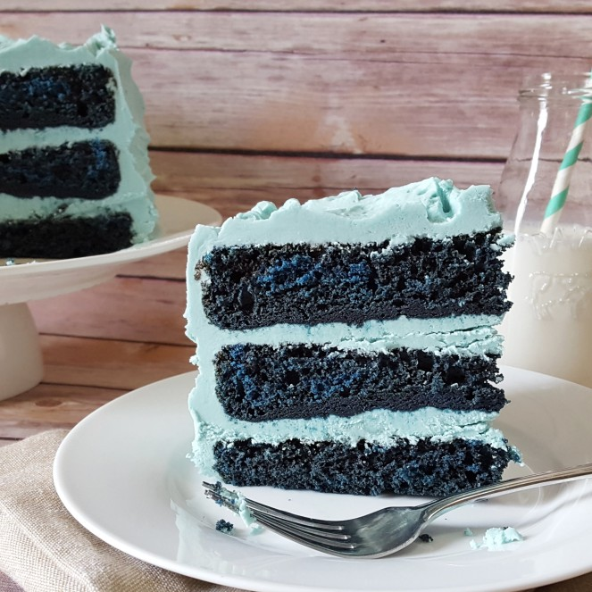 Blue Velvet Cake by Rumbly in my Tumbly