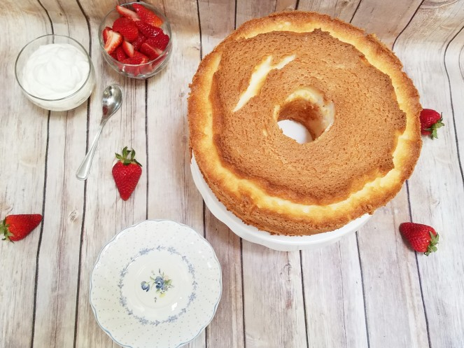 Ina Garten's Angel Food Cake ~ Rumbly in my Tumbly
