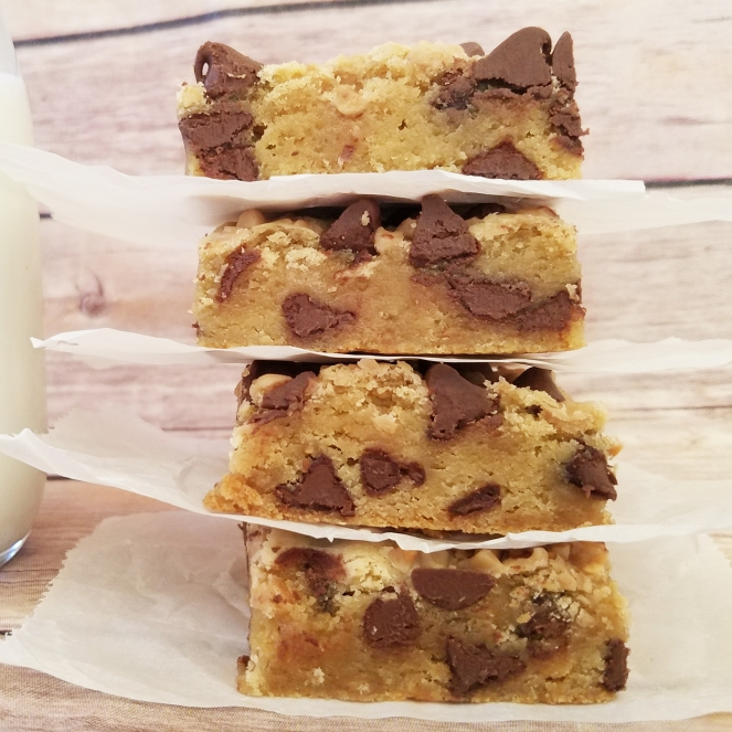 Toffee Chocolate Chip Bars by Rumbly in my Tumbly