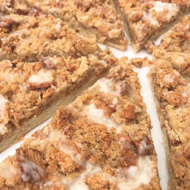 Cinnamon Toast Crunch Dessert Pizza by Rumbly in my Tumbly