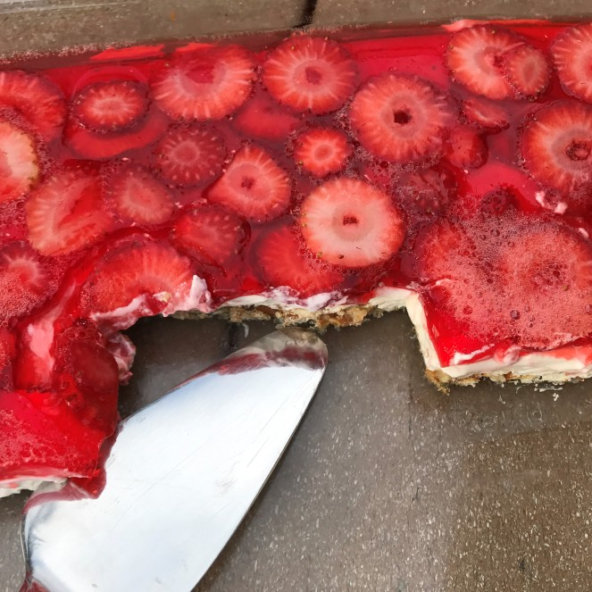 Strawberry Pretzel Cheesecake Dessert