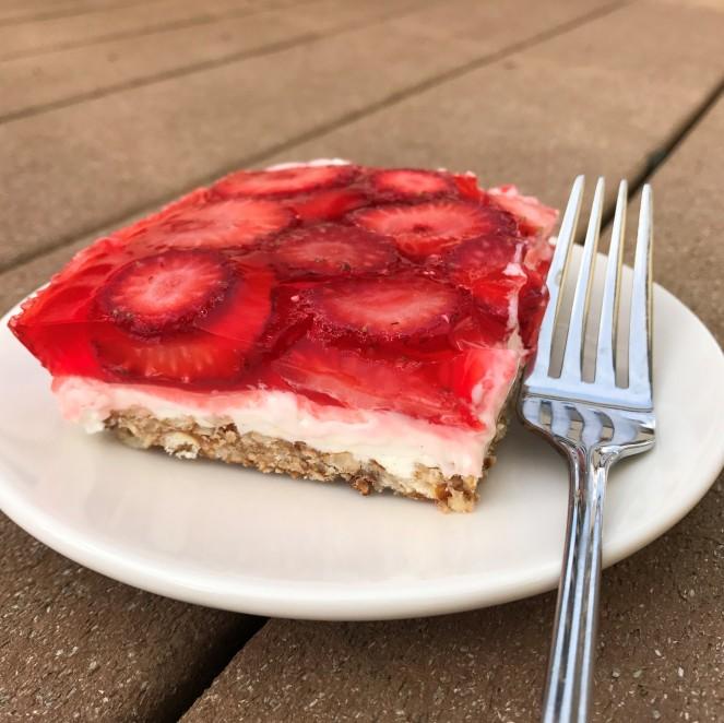 Strawberry Pretzel Cheesecake Dessert
